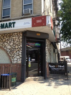 Mini Mart robbed at 560 Morgan Avenue. (Photo: Kaitlin Durand)