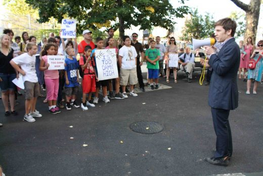 City Council candidate Stephen Pierson talked to Greenpoint residents at an anti-development rally. (Photo: Natalie Rinn)