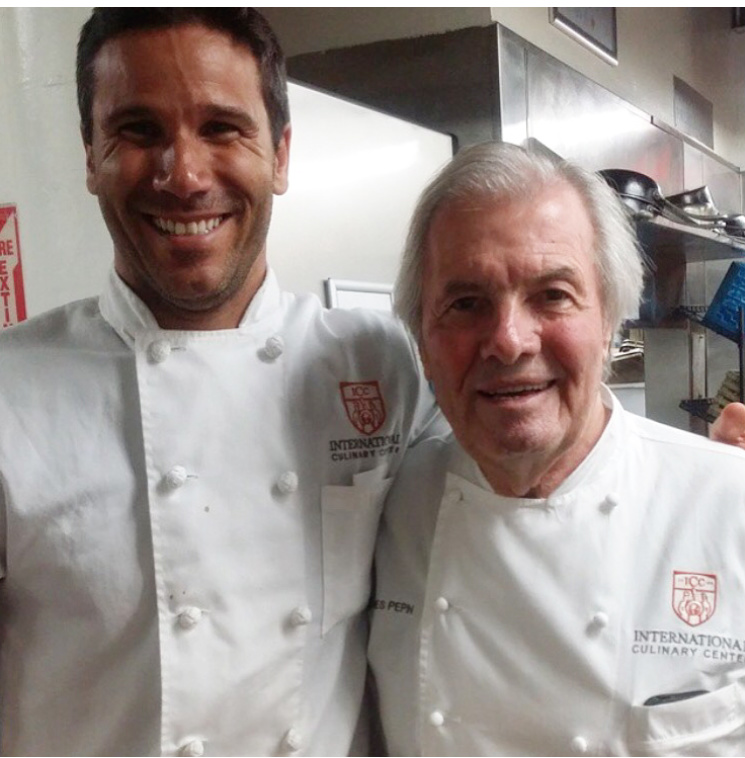 Varella and French chef Jacques Pépin. (Photo courtesy Andressa Junqueira)