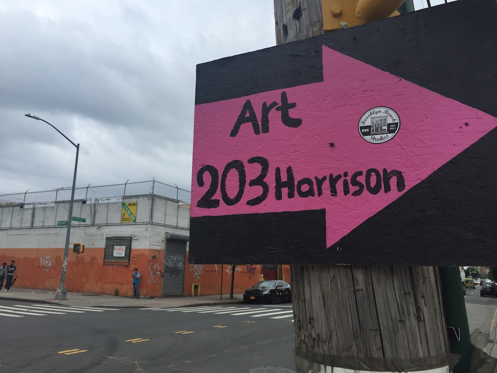 A sign advertising Brooklyn Brush open studios (Photo: Nicole Disser)